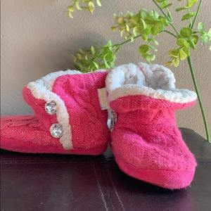 Pink Sz 6 super soft booties